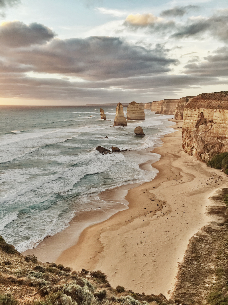 twelve-apostles-apollo-bay